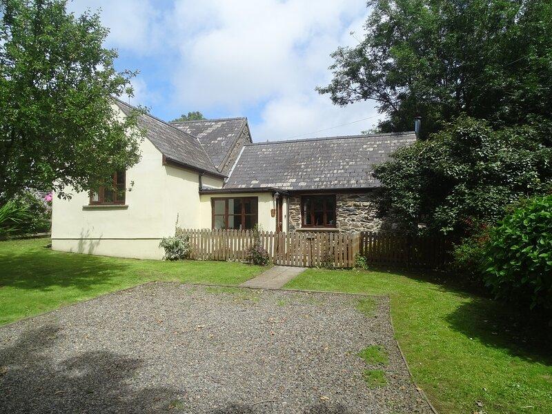 Appletree Cottage, Haverfordwest, holiday rental in Berea