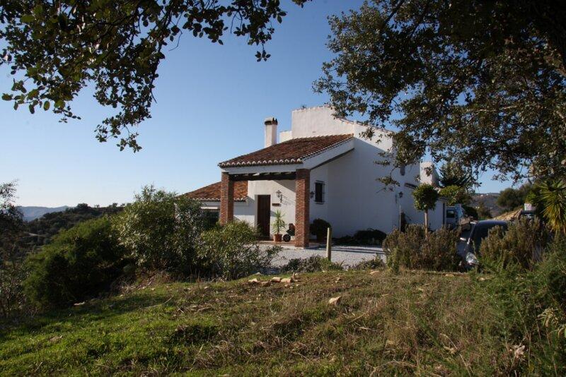 Lake Vinuela - Casas de Cantoblanco 2, aluguéis de temporada em Los Romanes