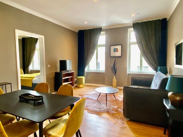 Familien Apartment mit 4 Zimmern und Balkon, casa vacanza a Markkleeberg