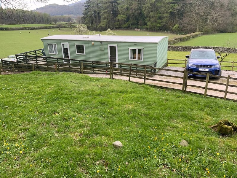 Delightful Rural Caravan for walking and cycling, casa vacanza a Broughton-in-Furness