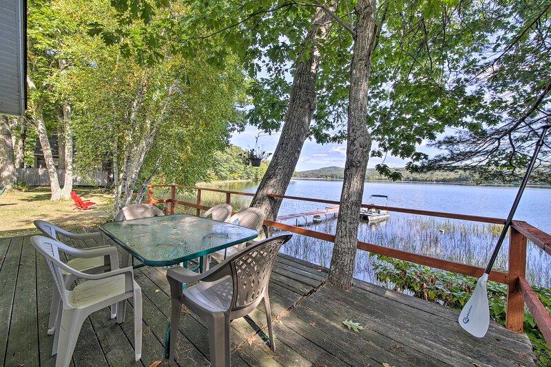 Quiet & Lovely Lakefront Cottage for Families!, aluguéis de temporada em Liberty