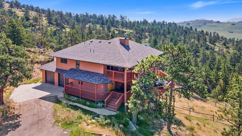 Colorado Mountain Retreat with Unbeatable Views!, aluguéis de temporada em Red Feather Lakes