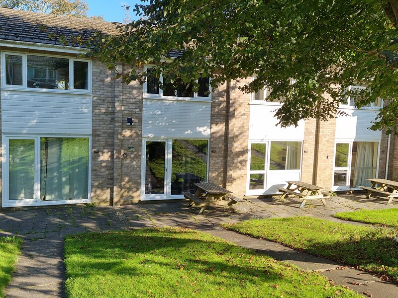 Beautiful 2-Bed House in Newquay perfect location, vacation rental in White Cross