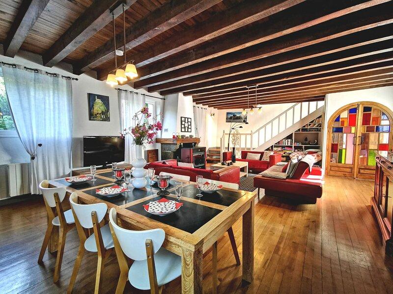 Petite Galerie du Chardonneret. Linge de maison et WIFI inclus, vacation rental in Espaly-Saint-Marcel