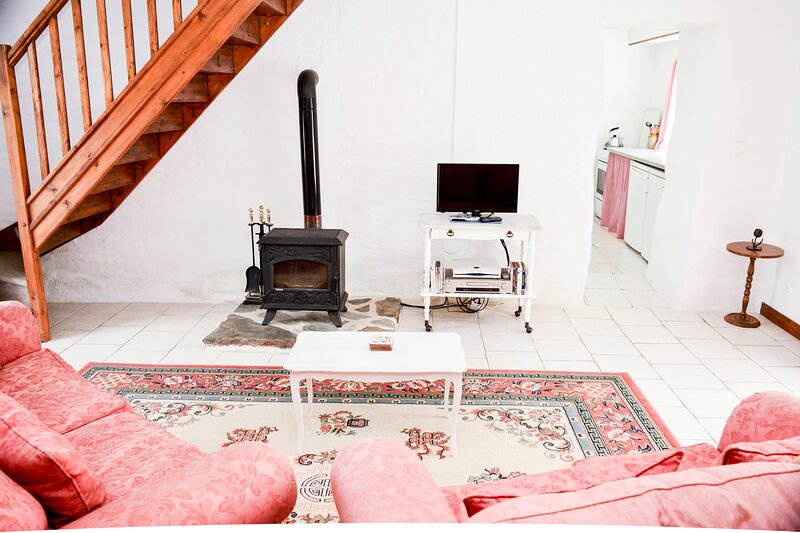 Le Cerisier 4 bedroom gite with pool (1 of 3) Near Bagnoles, holiday rental in Saint-Aignan-de-Couptrain