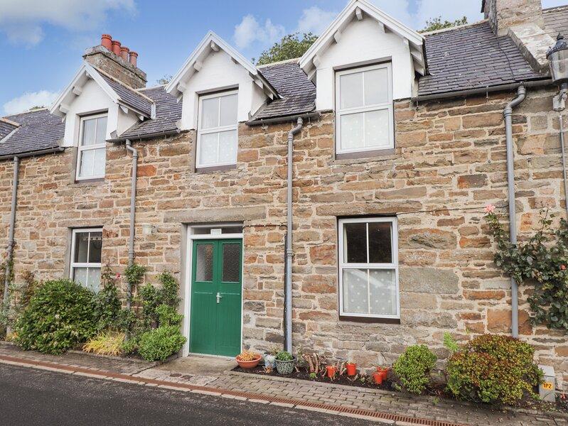 GRANNY'S COTTAGE, stone cottage, spacious accommodation, private garden, in, location de vacances à Whaligoe
