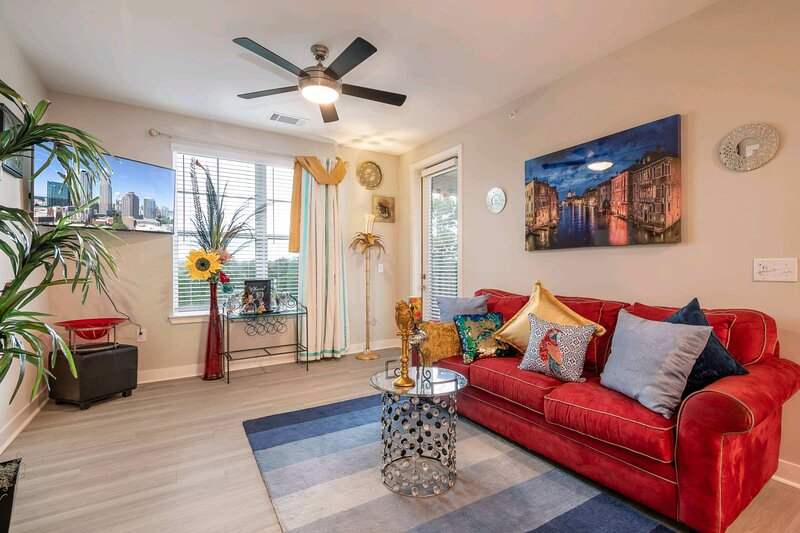 Luxurious 2 Bedroom 2Bathroom Minutes from uptown Charlotte, holiday rental in Monroe