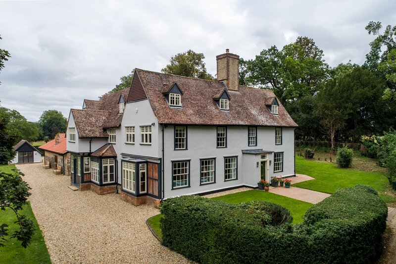 The Farmhouse,  Nether Hall Estate, vacation rental in Felsham