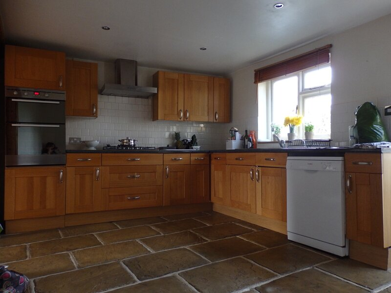 Central Shaftesbury apartment with private parking, holiday rental in Fontmell Magna