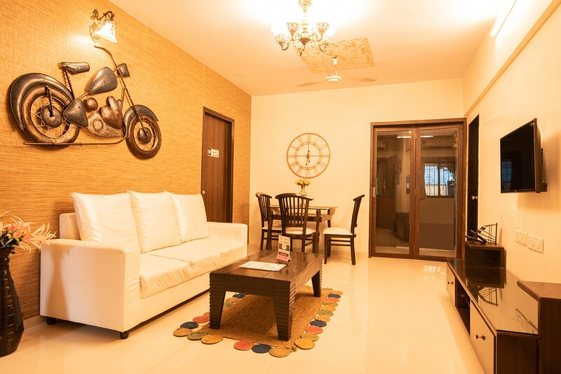The Regal Place to stay ( 2 Bedroom Villa), holiday rental in Dombivli