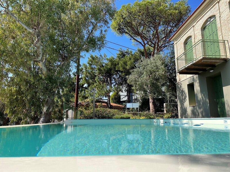 Ouzo Traditional Villa with Private Pool, alquiler de vacaciones en Gera