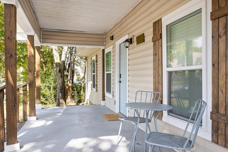 McCallie Dugout- 5 mins to Zoo, 10 Mins to Downtown!, holiday rental in Ooltewah