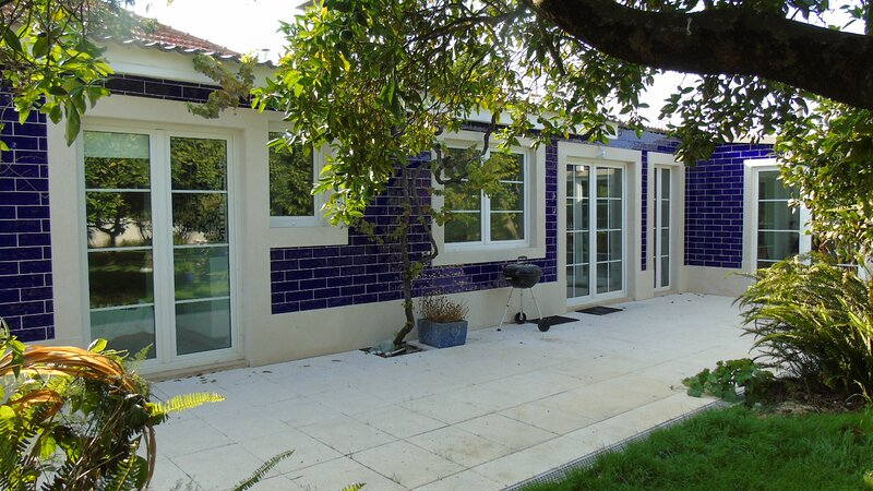 Casinha InCanto A Lovely Modern Small House sleeps 4+ The Perfect Retreat., holiday rental in Montijo