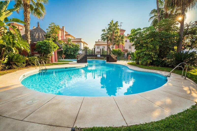Apartamento con Terraza en Caleta de Velez, Ferienwohnung in Algarrobo Costa