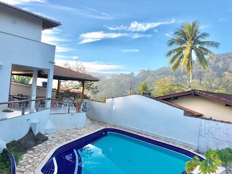 Suítes com piscina e opção de café sem glúten e leite (celíacos), holiday rental in Praia do Itamambuca