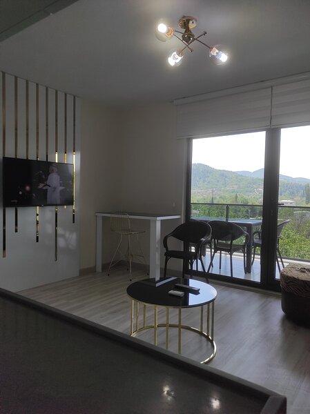 Golden Hour Apartment View Bursa Nilufer, aluguéis de temporada em Osmangazi