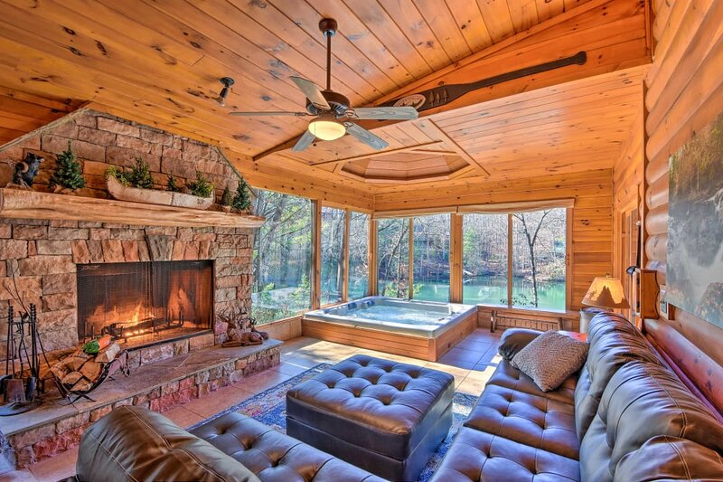 Luxe Haven on Cherry Lake: Deck, Canoe, & Fire Pit, vacation rental in Cherrylog