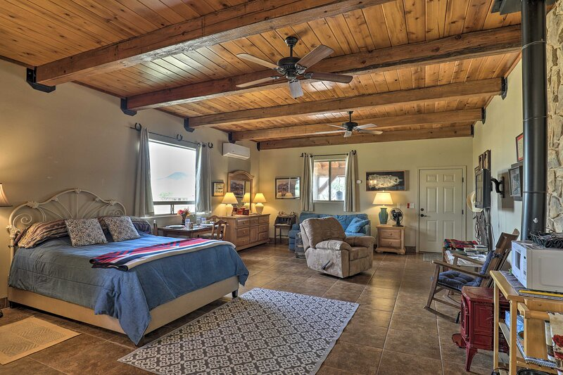 Rustic Guest Quarters on Cattle Ranch Near Winery!, alquiler de vacaciones en Sierra Vista