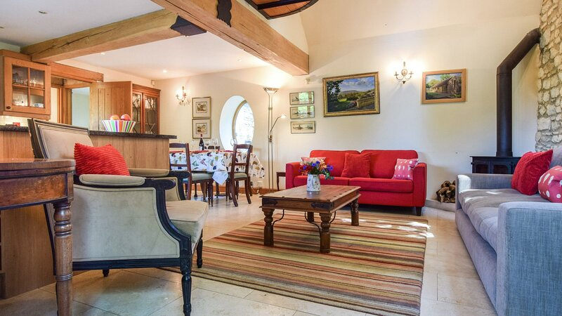 Stables, Batheaston - sleeps 6 guests  in 3 bedrooms, vacation rental in Box