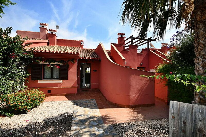 2 bed luxury house with WIFI on 5 star Hacienda Del Alamo Golf Resort, Murcia, vacation rental in Cuevas de Reyllo