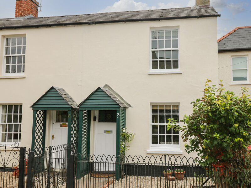 3 Lake Cottages, Prestbury, vacation rental in Southam