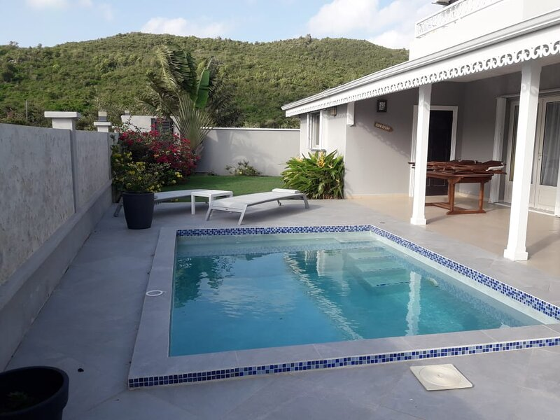 Spacious villa with swimming-pool, holiday rental in Rambaud