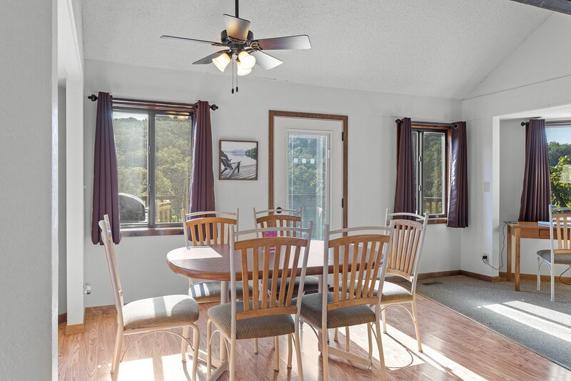 Holiday Shores 31 - Beautiful Villa with Resort Amenities!, vacation rental in Tuscumbia