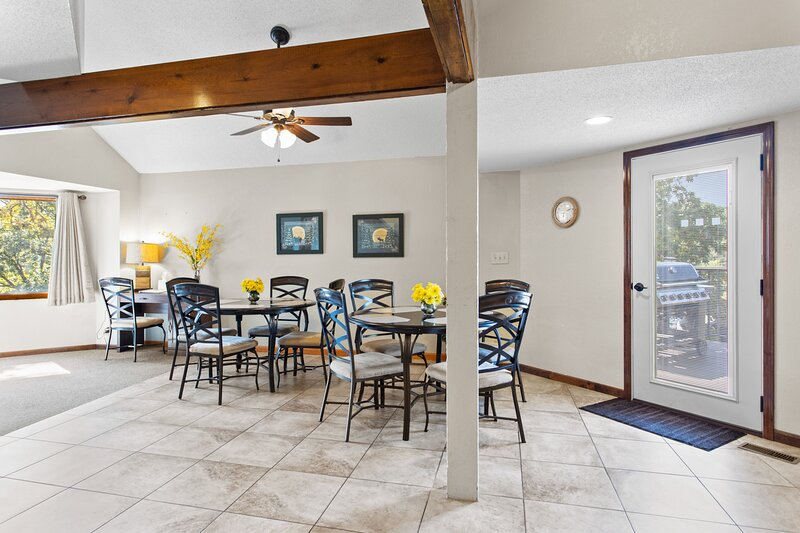 Holiday Shores 09 - Beautiful Villa with Resort Amenities!, vacation rental in Tuscumbia