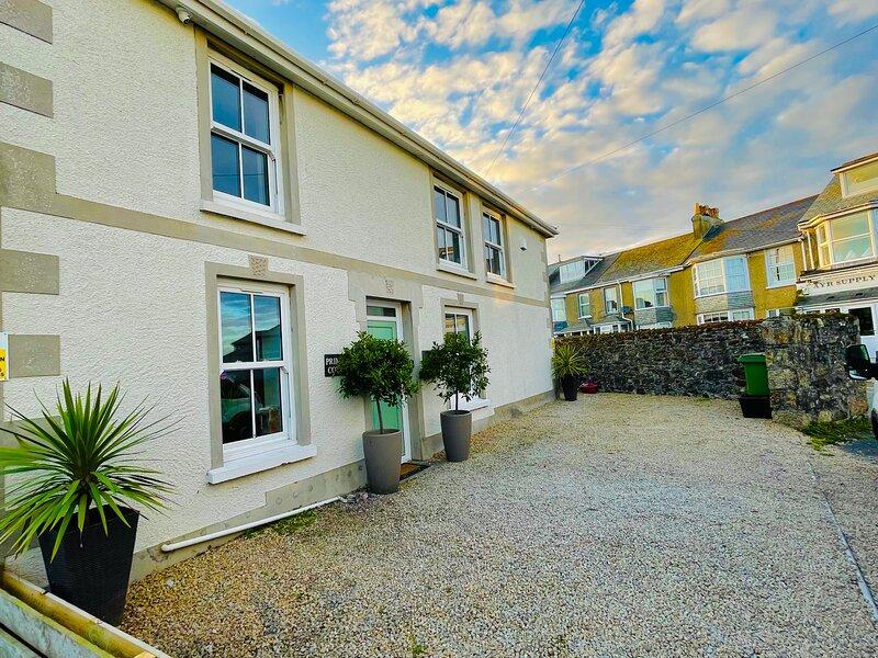 St Ives Cottage, Sea Views, Free Parking, Garden, Close To Tate &Porthmeor Beach, aluguéis de temporada em St Ives