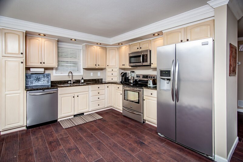 Quiet Waters - Updated Waterfront Home!, aluguéis de temporada em Rocky Mount