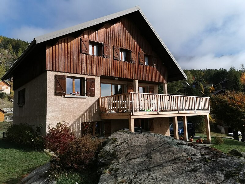 Chalet Le Gros Caillou, holiday rental in Chabottes