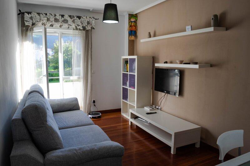 apartamento GIBAJA ,2 habitaciones, vacation rental in Rasines