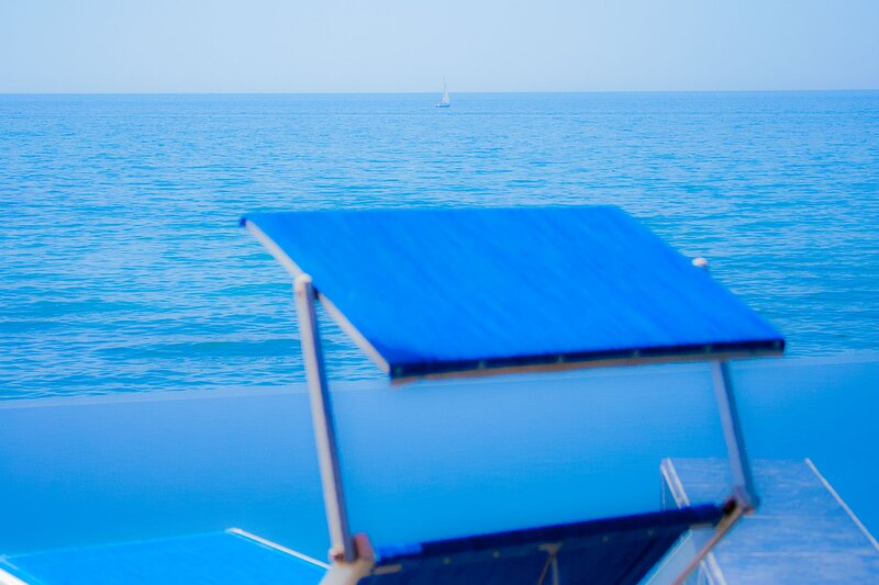 Waterfront apartment/WIFI/air cond./pool/sauna/whirlpool/parking/sea exit/boat, location de vacances à Santa Marinella