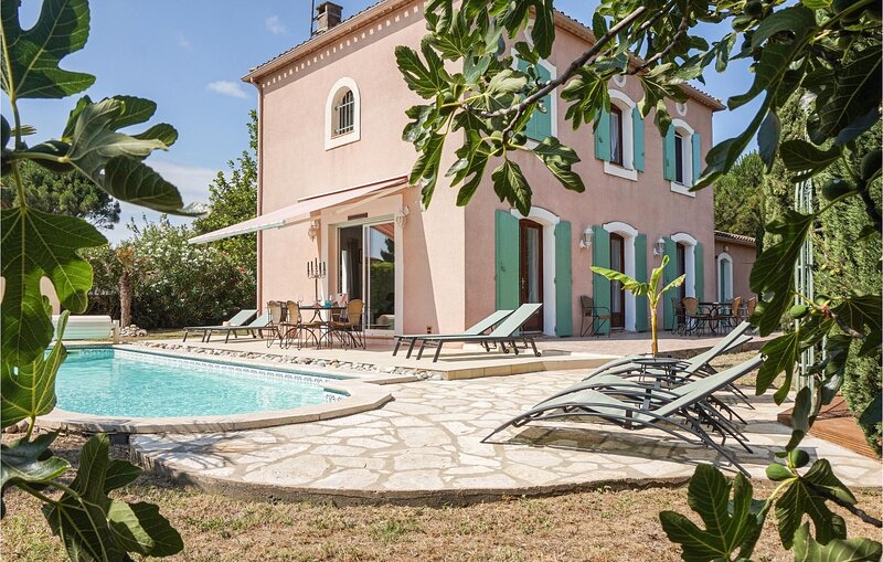 Nice home in Carcassonne with Outdoor swimming pool and 4 Bedrooms (FLA238), holiday rental in Malves-en-Minervois