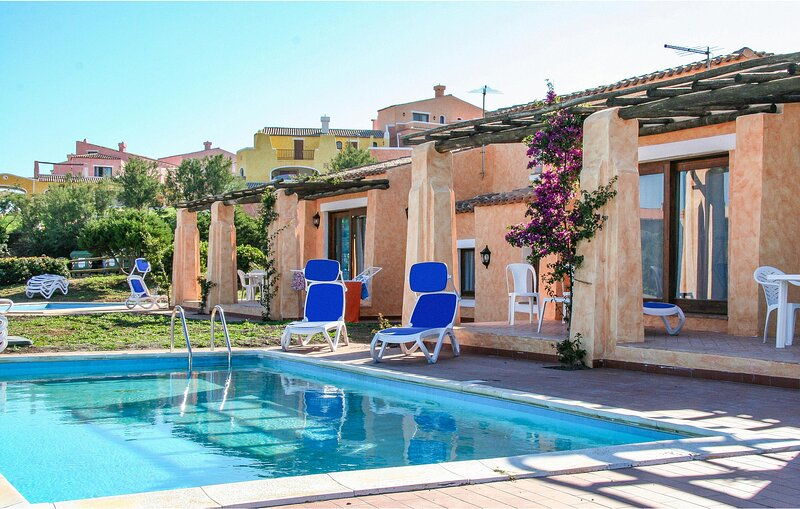 Awesome apartment in Punta Su Turrione with Outdoor swimming pool and 1 Bedrooms, casa vacanza a Punta de su Torrione