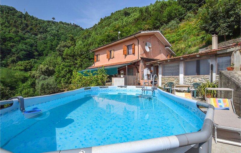 Amazing home in Pietrasanta with 3 Bedrooms (ITV027), location de vacances à Azzano