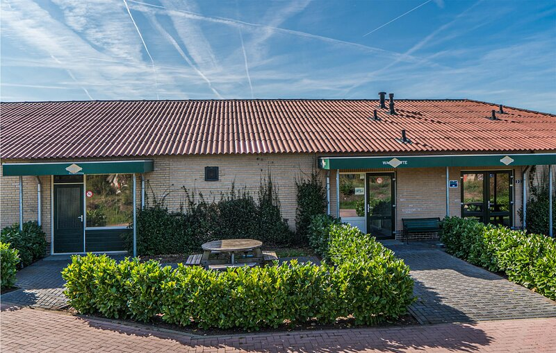 Awesome home in Den Ham with WiFi and 4 Bedrooms (HOV088), location de vacances à Den Ham
