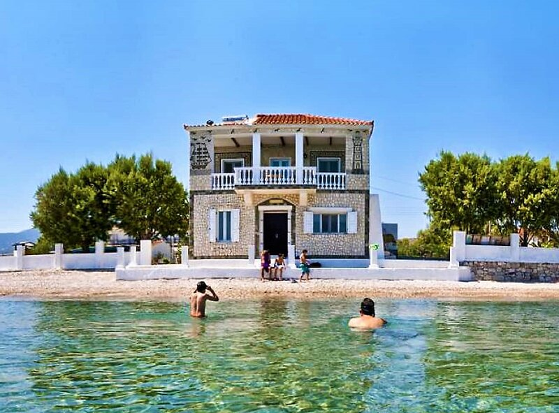 Potokaki Beach House, holiday rental in Paleokastro