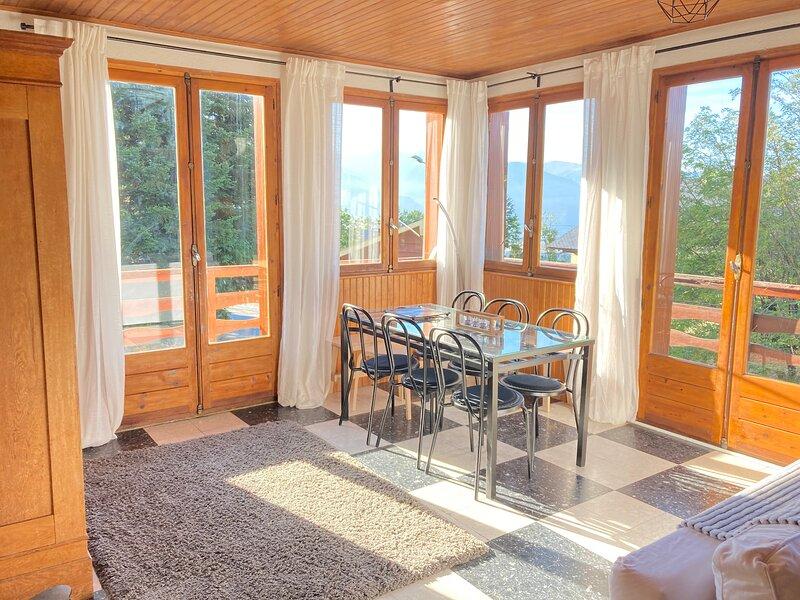 Font Romeu, Superbe T3, 80m2 Plein Sud, Spacieux et lumineux, 2 à 8 pers, holiday rental in Estavar