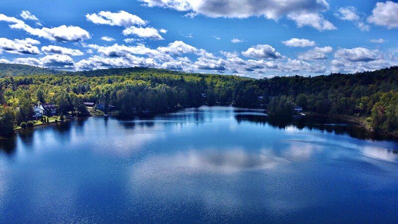 Beautiful Lakefront Chalet 35 mins Ottawa Gatineau, alquiler de vacaciones en Outaouais Region