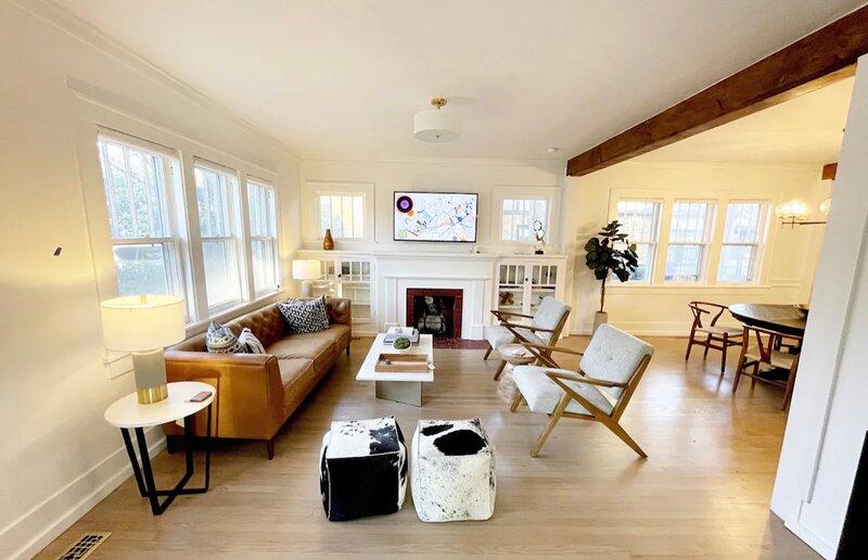 High End Campus Cottage - 5 Star Luxury Home - Walk to Stadium / Campus Corner, casa vacanza a Norman