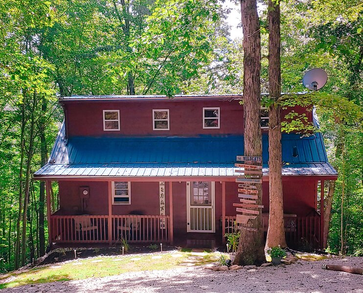 Trailseeker Cabin- Brand New Reno at Red River Gorge/Natural Bridge, holiday rental in Slade