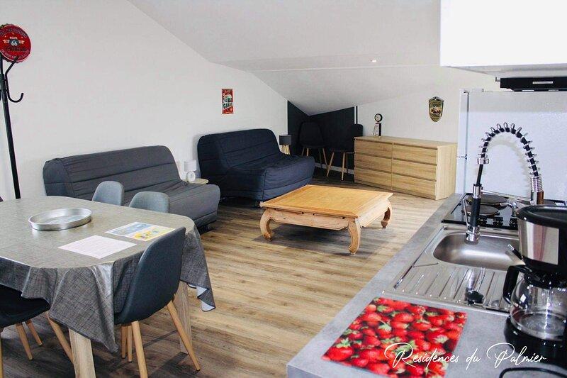 Les Résidences Du Palmier Studio - 'L'atelier' - Le Puy Du Fou, holiday rental in La Verrie