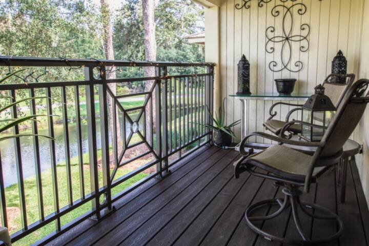 New Listing! Lakeview Oasis ~ Saddlebrook~Private Patio~ Golf Community, casa vacanza a Wesley Chapel