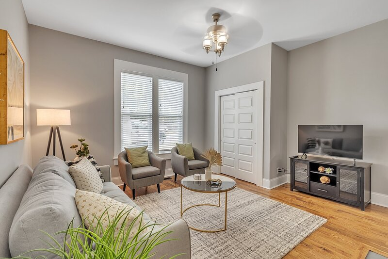 Recently Renovated Home in the Heart of Bellevue!, holiday rental in Bellevue