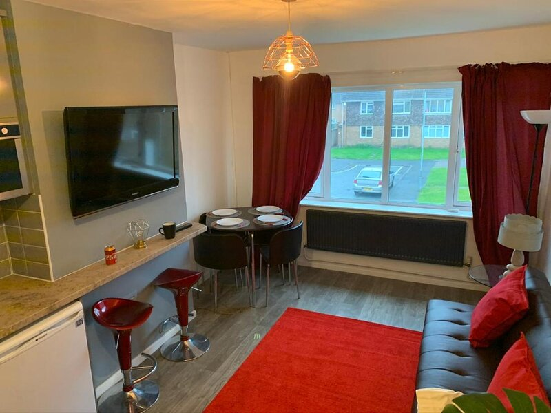 Eastfield Mews by Wv1 Stays 3 Beds up to 5 guests, aluguéis de temporada em Walsall