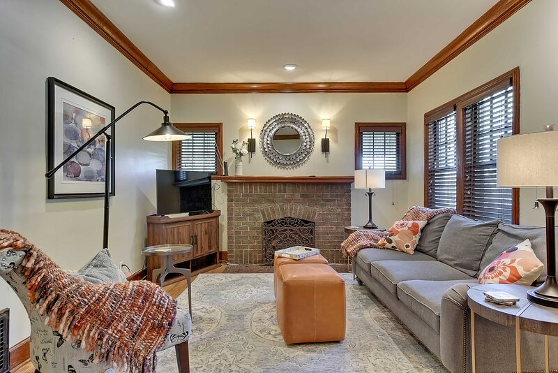 NEW! 'Twin Ridge' Omaha House w/ Screened-In Porch, holiday rental in Omaha