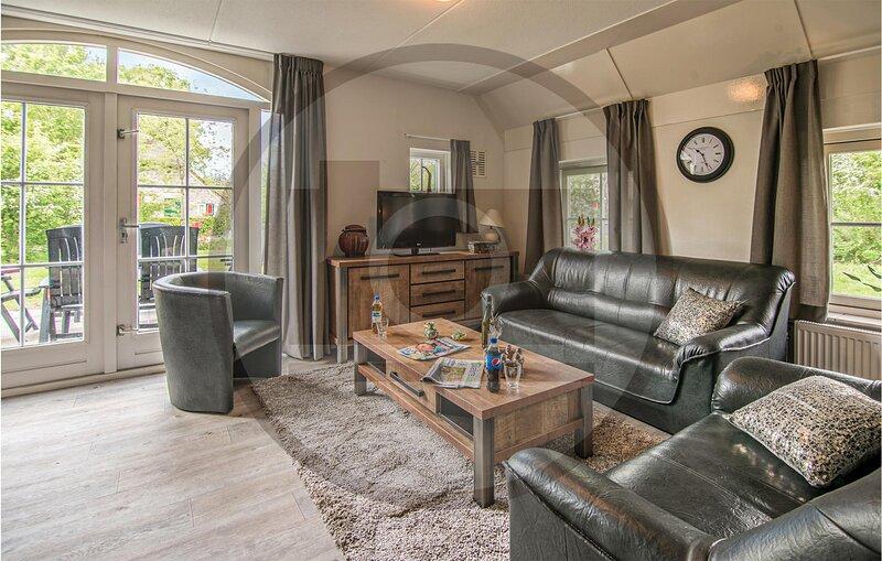 Amazing home in Den Ham with Sauna and 4 Bedrooms (HOV086), casa vacanza a Hellendoorn