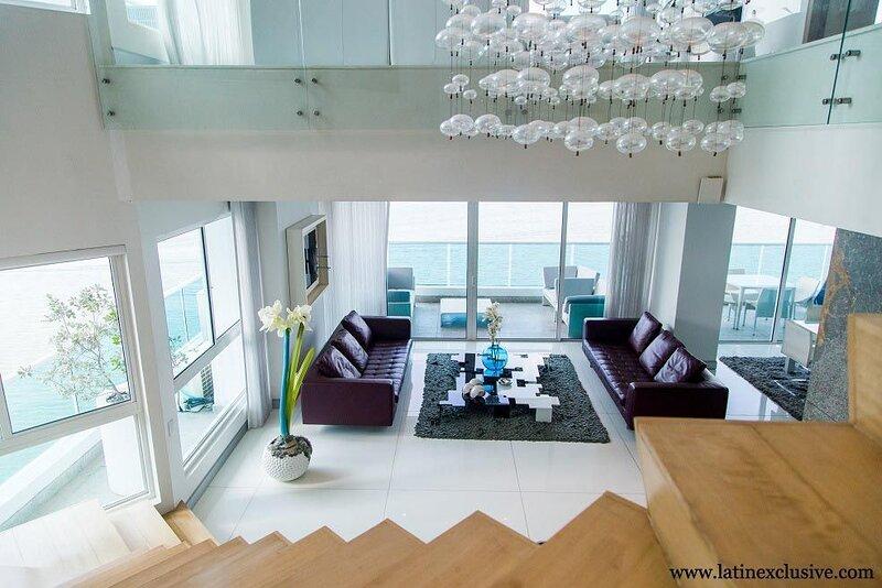 Car068 - Luxurious duplex apartment in Castillogrande, casa vacanza a Turbaco