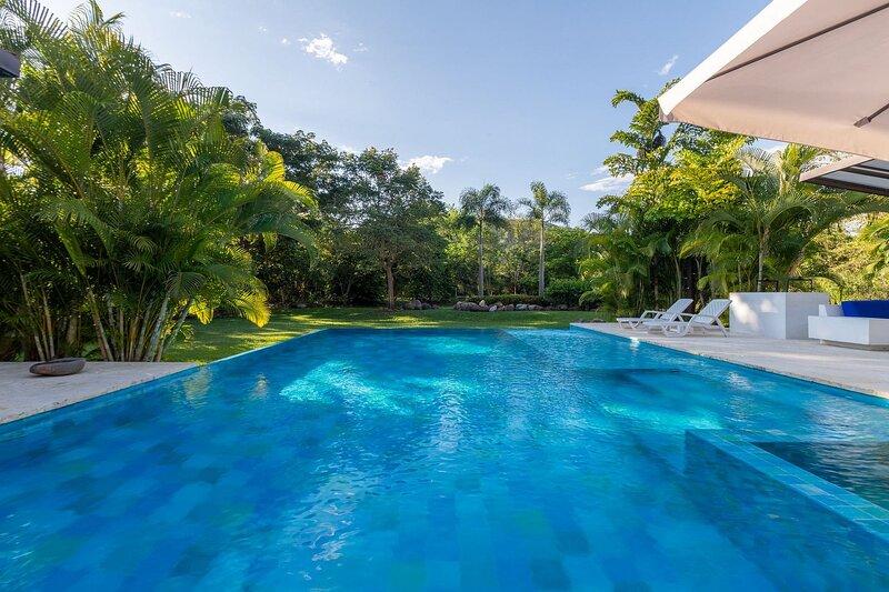 Anp026 - Beautiful house with pool in Mesa de Yeguas, Anapoima, alquiler vacacional en Silvania